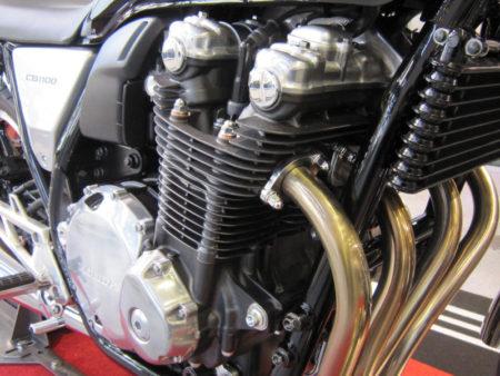 CB1100 2010 エンジン