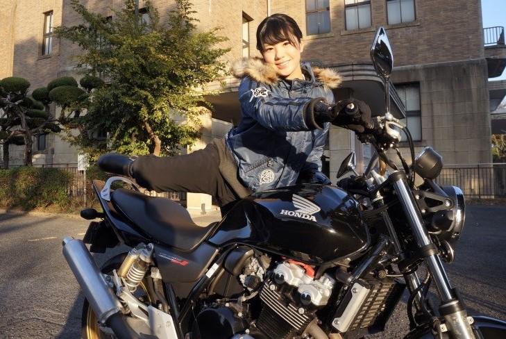 梅本まどか バイク